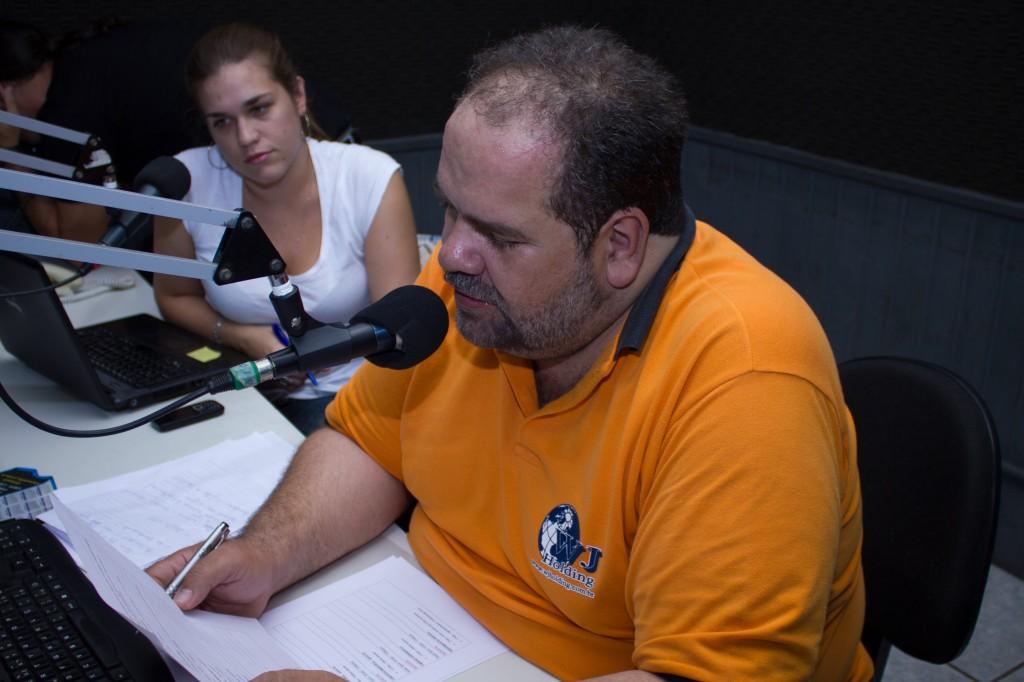 Chico e Larissa Programa de Rádio