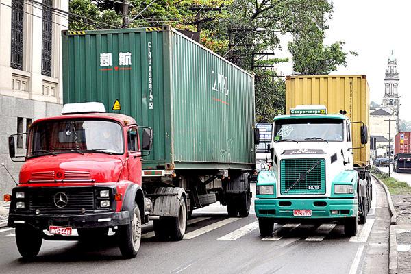 sindical caminhoes CRED LUIZ TORRES DL 047