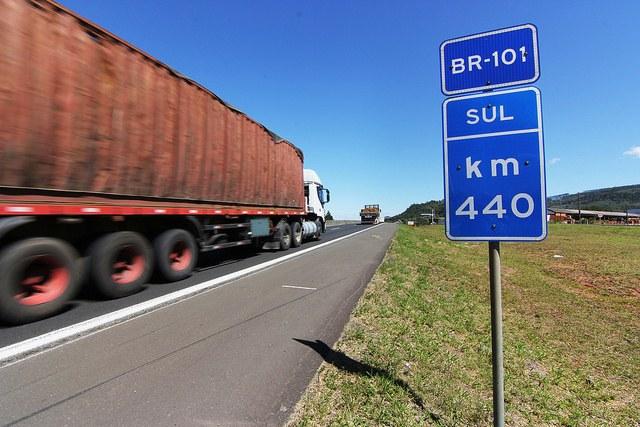 Mais caminhoneiros terão acesso ao refinanciamento Ministério dos Transportes