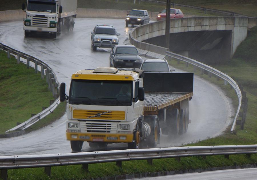 caminhoneiros-na-estrada