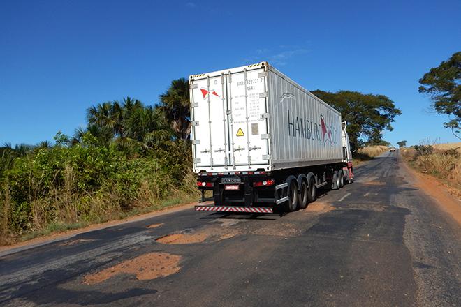 condições precárias de rodovias