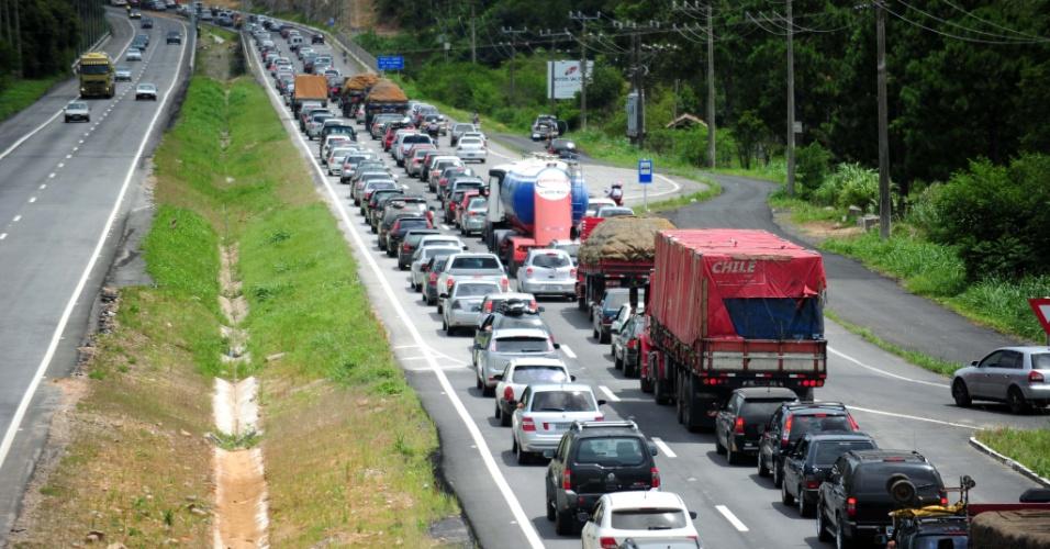 Autopista Fernão Dias realiza mais de 3.700 atendimentos no feriado de Ano Novo