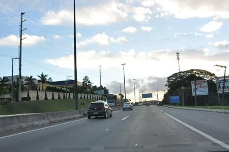 Autopista Régis Bittencourt instala 42 novas passarelas na BR-116 SP/PR