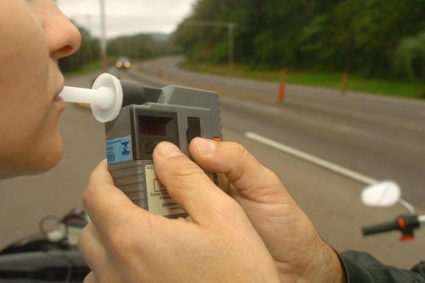 Seguradoras podem anular ressarcimento a motoristas que estiverem embriagados em caso de acidente