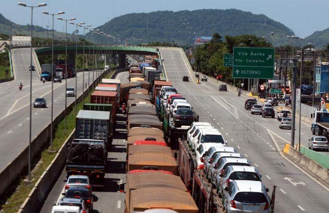 Reunião discute novo acesso aos terminais portuários de Santos