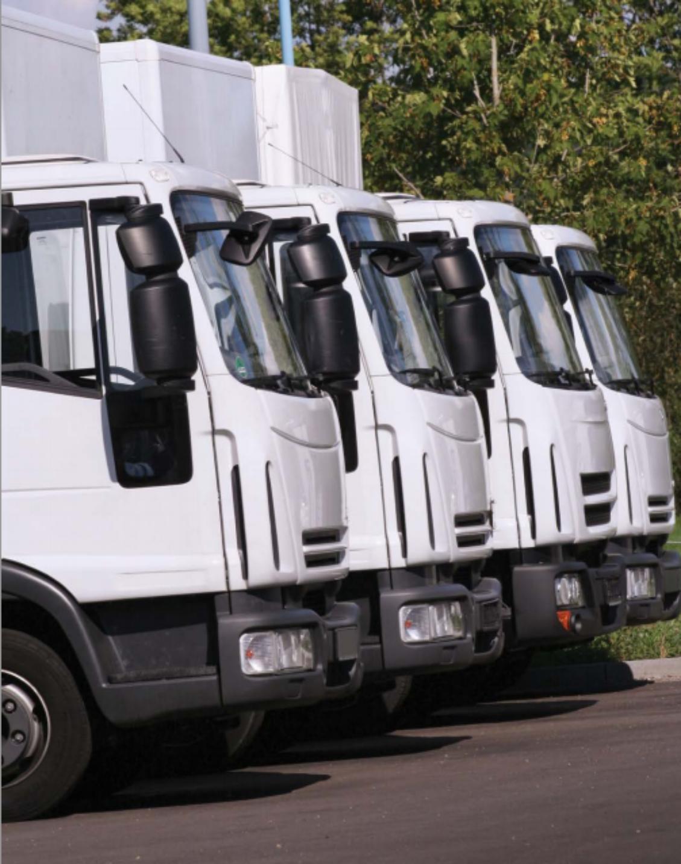 Renova SP entrega dez caminhões a juros zero