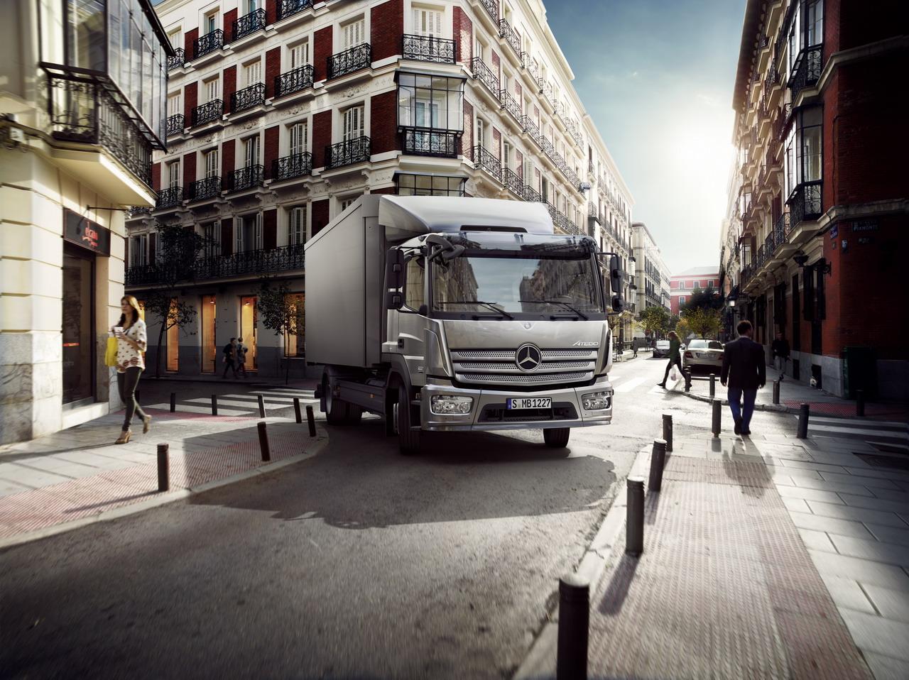 Atego da Mercedes-Benz conquista novamente a preferencia da Spire Healthcare na Grã-Bretanha