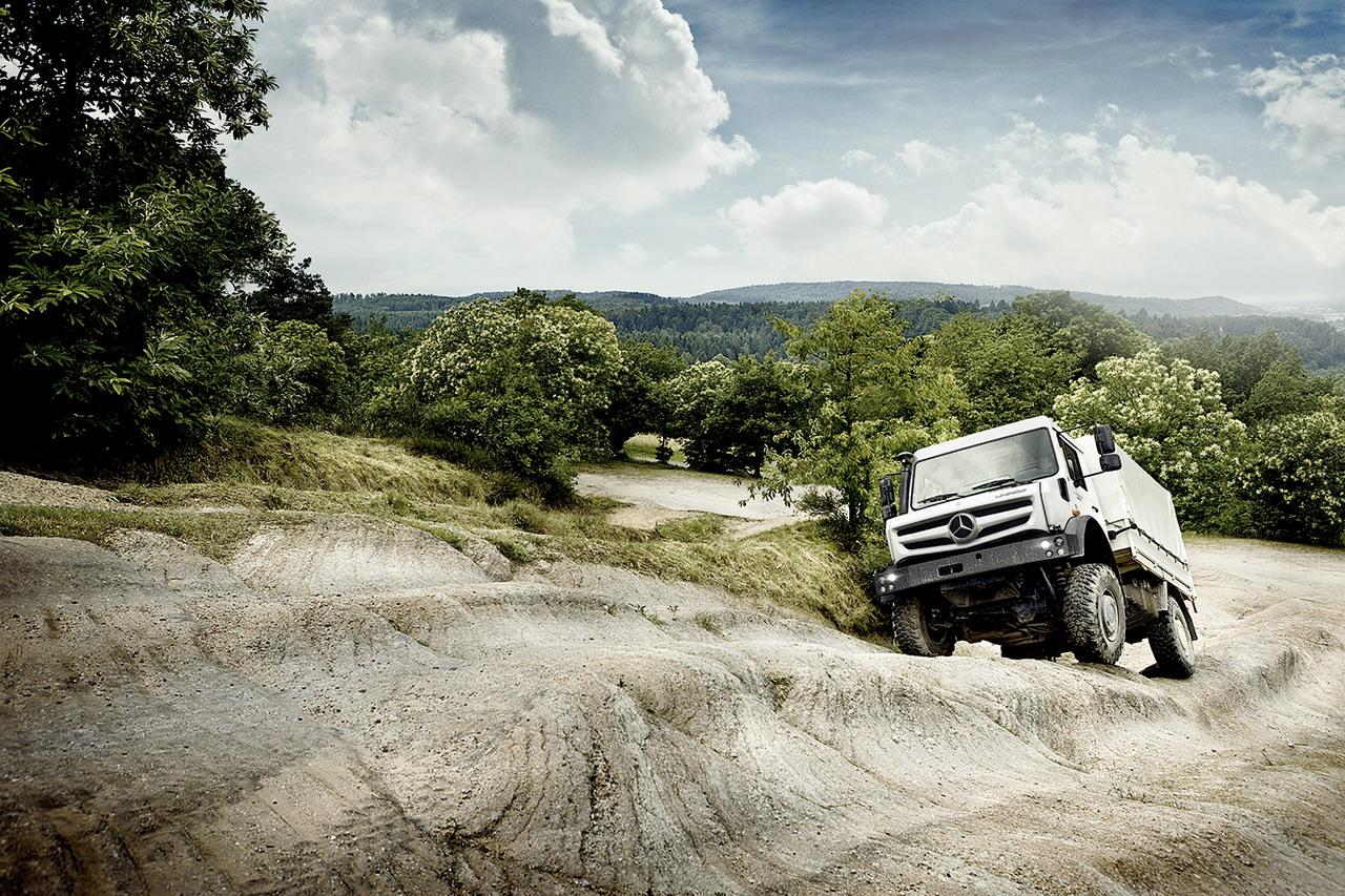 O novo Mercedes-Benz Unimog U 4023 e L 5023: Estabelece padrões de mobilidade fora de estrada