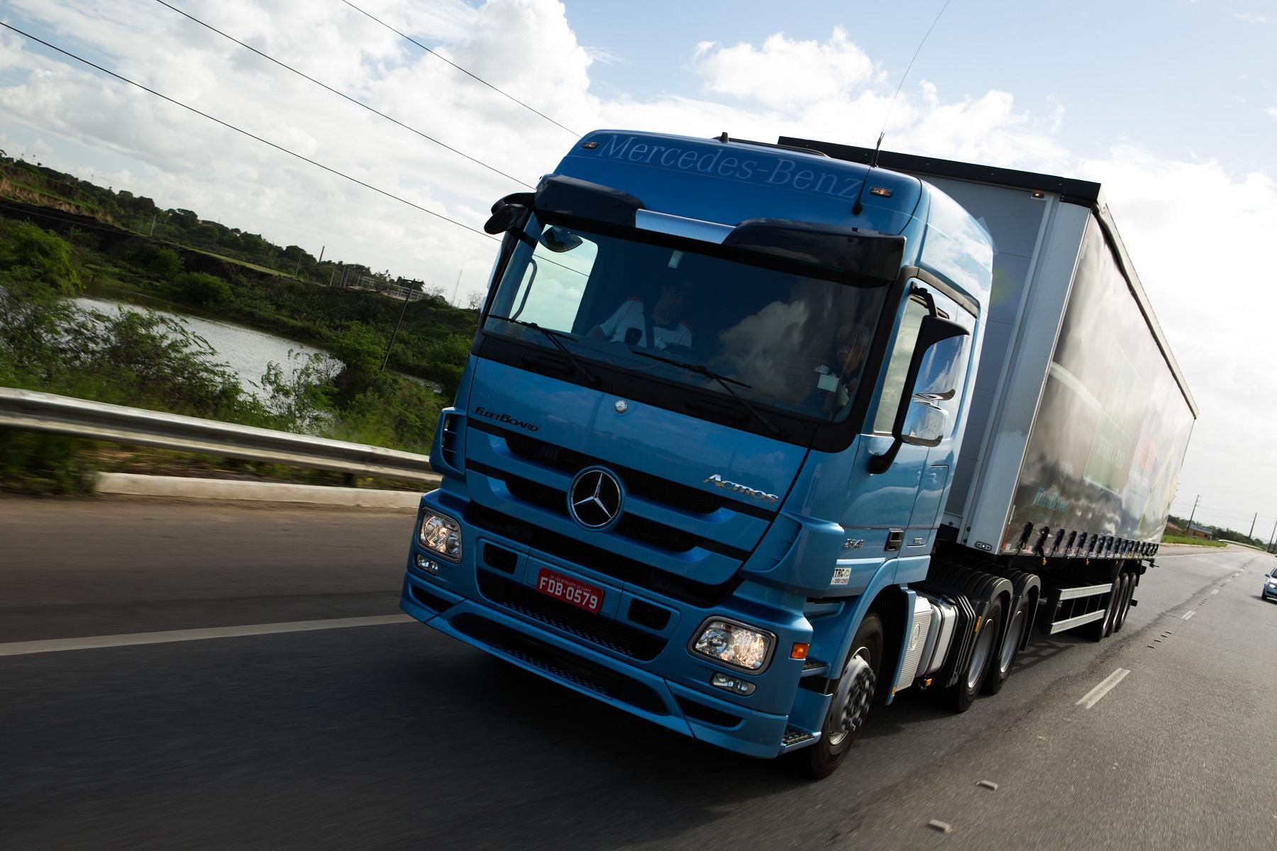 Com o FleetBoard, caminhão Actros tem consumo de combustível otimizado em test-drive de longa duração pela BR-101