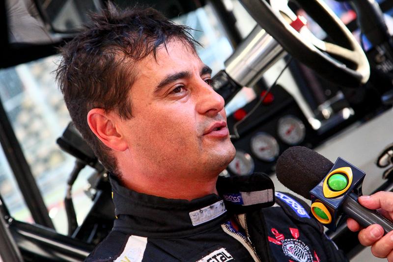 Roberval Andrade larga na ponta no Autódromo de Interlagos.