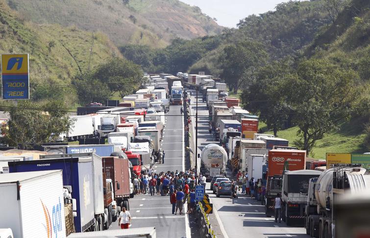 Protestos pelo Brasil: Planalto reage a bloqueio de rodovias