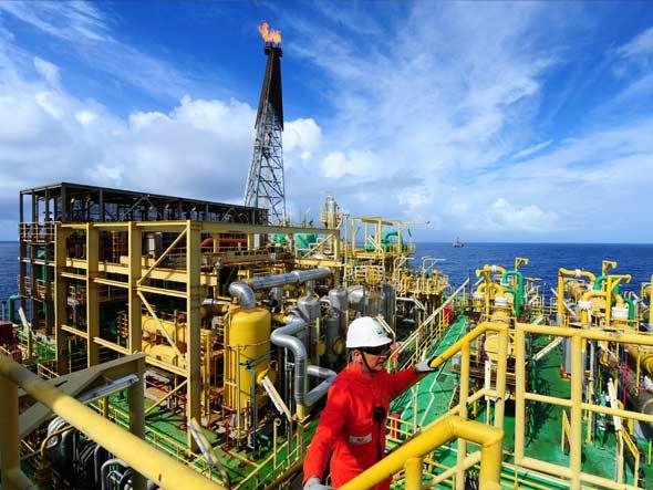 Petroleiros da Bacia de Campos fazem greve hoje