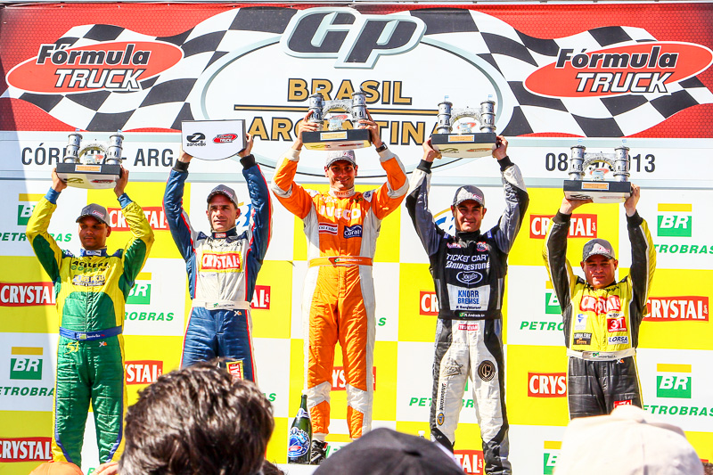 Beto Monteiro e Scuderia Iveco levantam três troféus em Córdoba.
