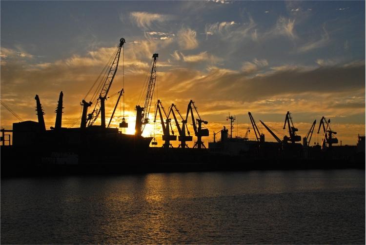 Mais de 230 milhões de toneladas de cargas passaram por portos no 2º trimestre