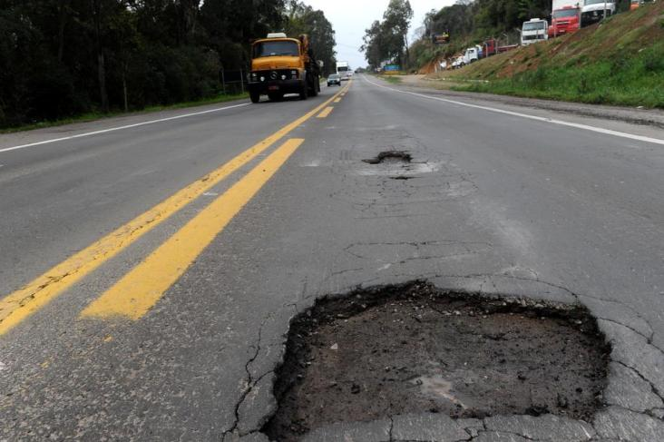 Mais de 60% das rodovias apresentam problemas, aponta Pesquisa CNT de Rodovias 2013