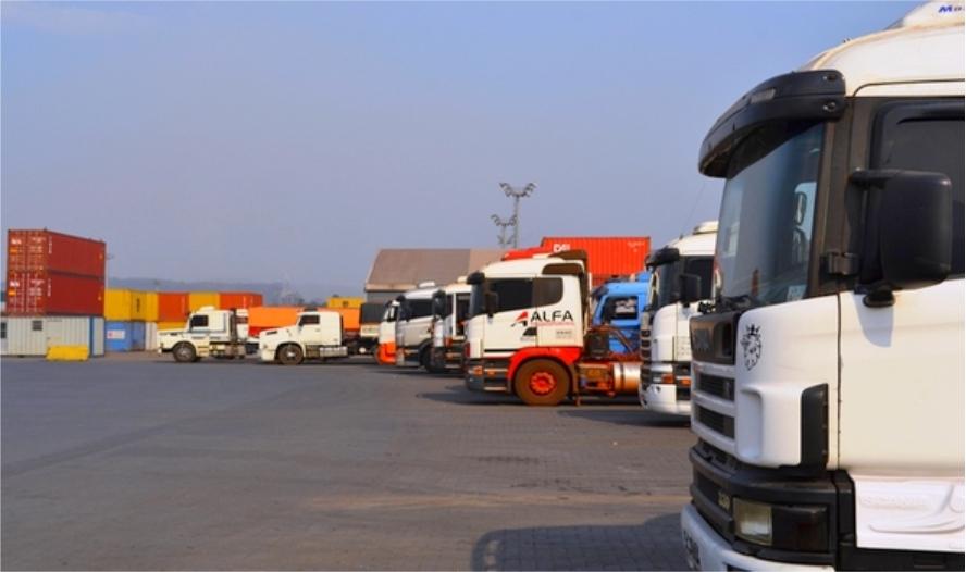 Sem caminhoneiros, empresas do PR pensam em importar profissionais