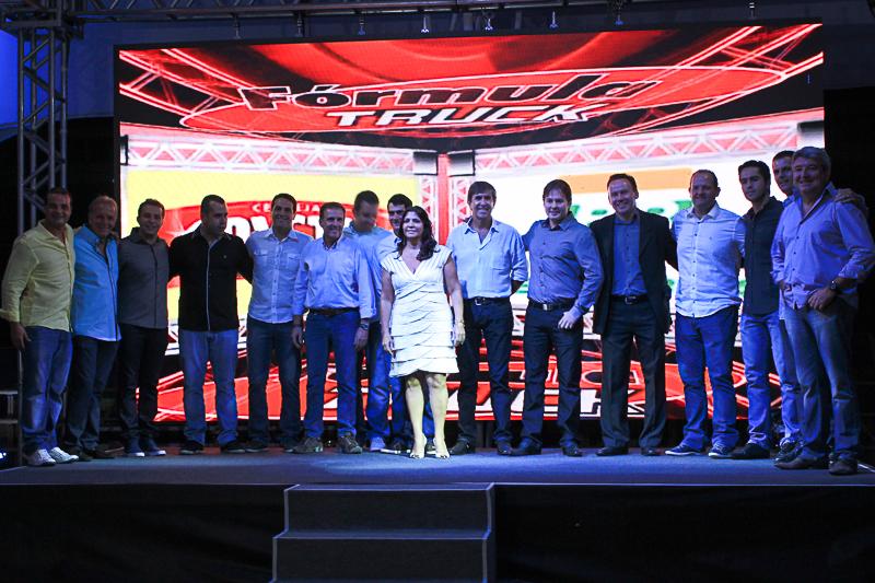 Chico da Boleia participa da festa de lançamento da temporada 2014 da Fórmula Truck.