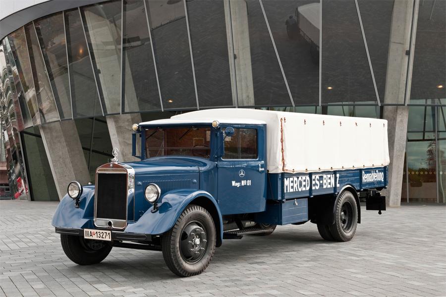 Mercedes-Benz é atração em exposição de caminhões clássicos na Alemanha