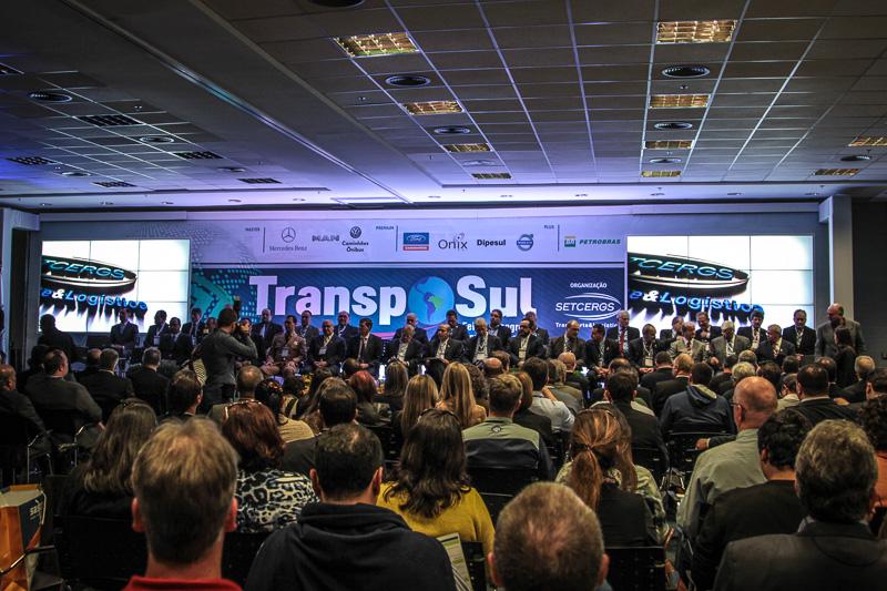 Começa a 19ª TranspoSul em Porto Alegre