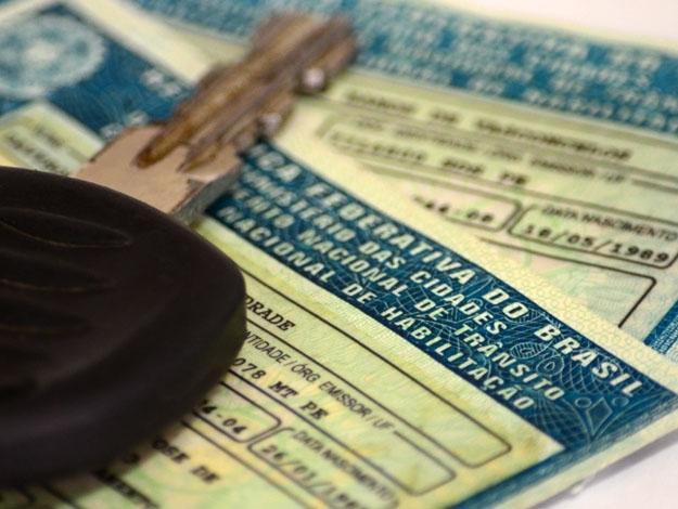 Caminhões com placa final 0 e 9 devem ser licenciados em dezembro