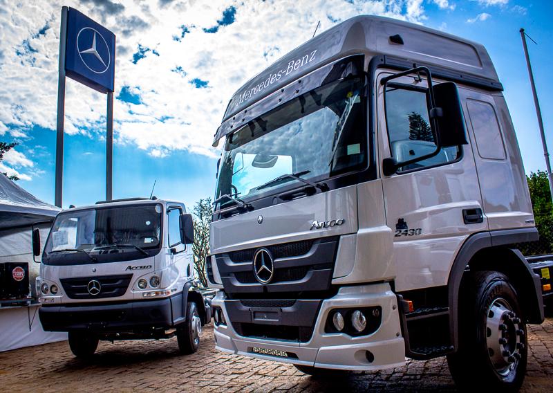 Lançamento do novo modelo Atego 2430 Econfort da Mercedes-Benz aconteceu em 12 estados do país
