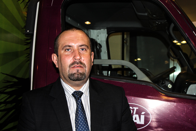 Chico da Boleia marca presença na Fenatran Centro-Oeste e entrevista representante da Hyundai