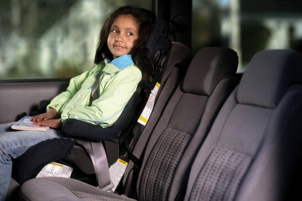 Novas regras podem mudar uso das cadeirinhas nos veículos em 2015