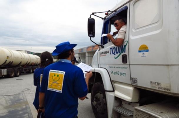"""Projeto """"Caminhão 100%"""" oferece avaliação gratuita para caminhões"""