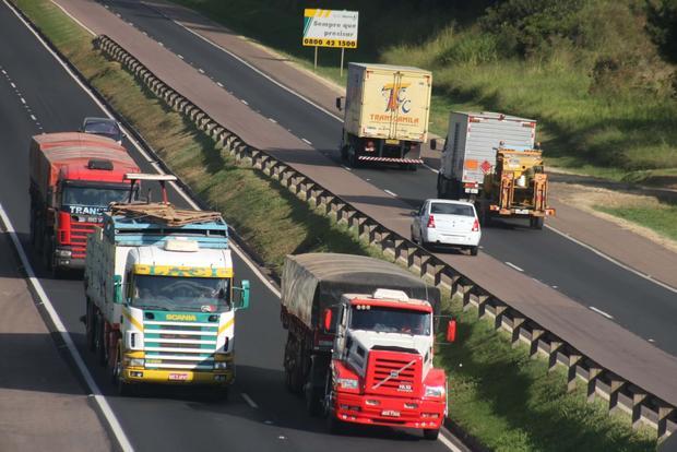 ABCR diz que Lei dos Caminhoneiros vai elevar pedágios e insegurança nas rodovias