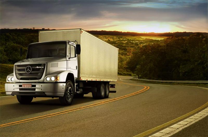 Mercedes-Benz realiza ação especial de venda do caminhão semipesado Atron 2324