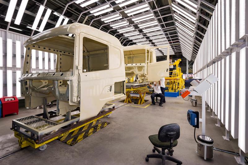 Scania inaugura nova fábrica de pintura de cabinas no Brasil