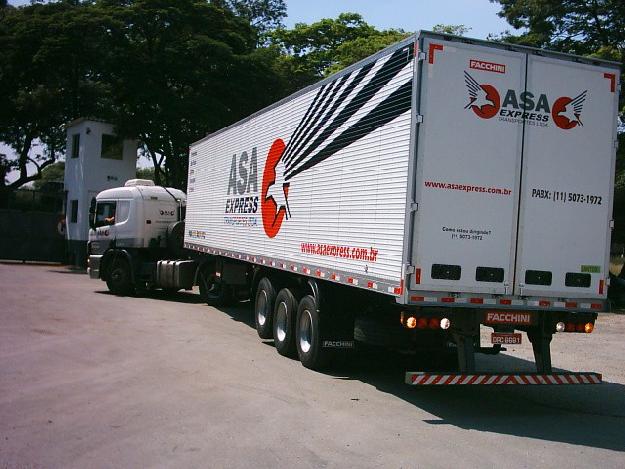 Após caminhoneiros, as transportadoras de carga também devem parar as rodovias do Brasil?