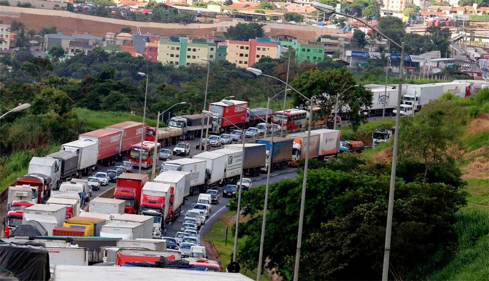 Governo não cumpre acordo e caminhoneiros fecharão rodovias
