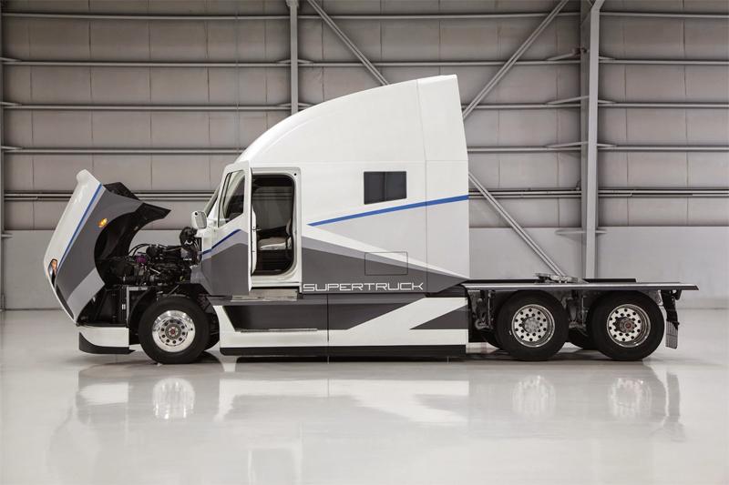 Freightliner Supertruck: Caminhão da Daimler faz 5,2 km/litro e supera meta americana em 115%