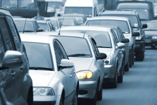 Artigo: Venda de veículos em queda: é hora de comprar?*