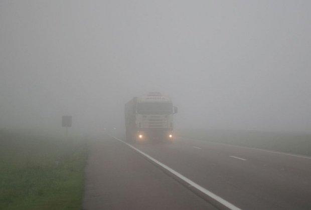 Neblina exige atenção redobrada do motorista neste inverno