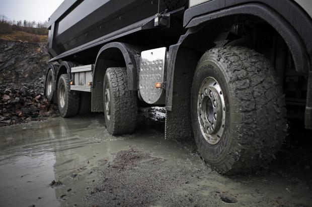 Importância sobre a calibragem ideal do pneu do seu caminhão