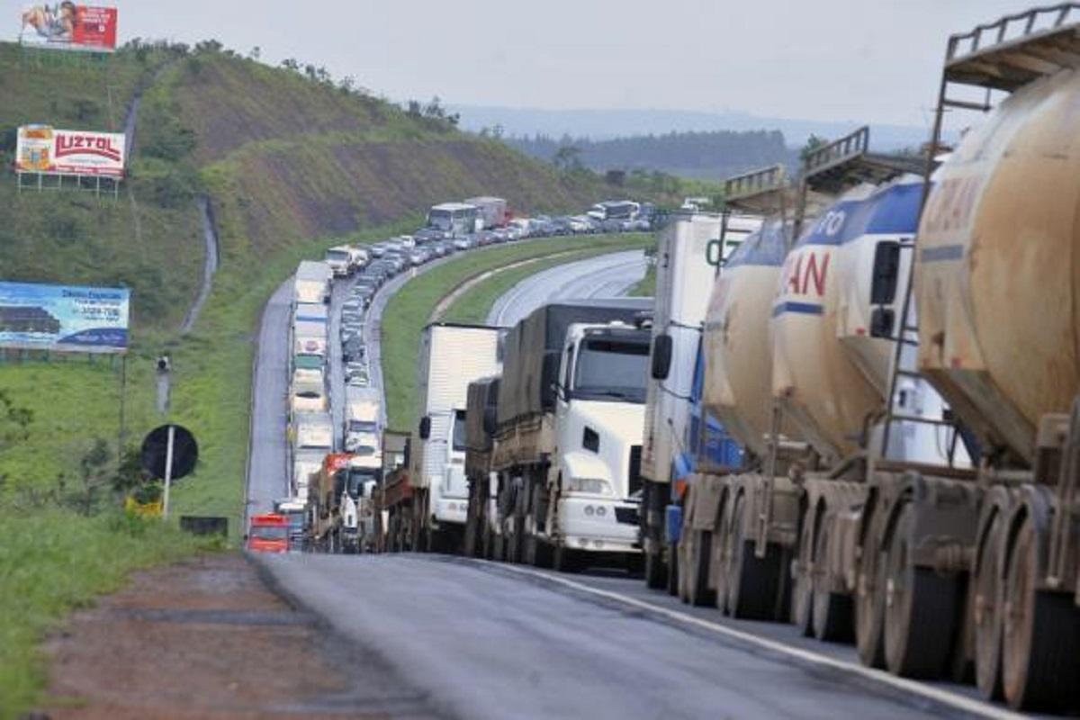 Lei dos caminhoneiros pode trazer reequilíbrio aos contratos
