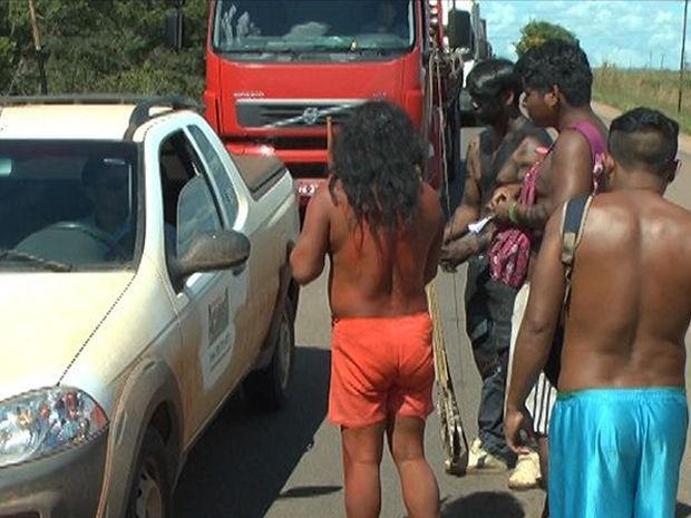 Motoristas vão à polícia denunciar índios por pedágio em Mato Grosso