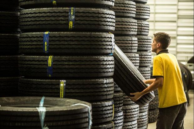 Governo prorroga aplicação de direito antidumping para importação de pneus