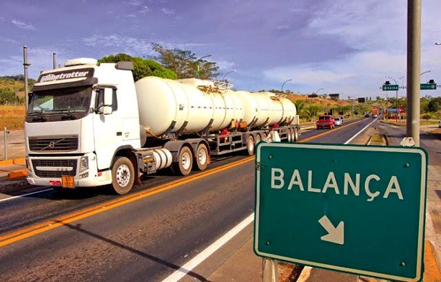MPF processa empresas com caminhões com excesso de peso