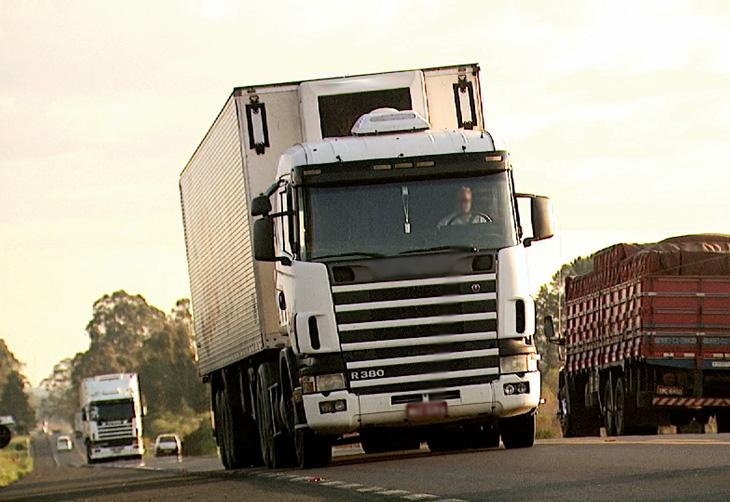 Especialista dá dicas de segurança para motoristas de caminhões