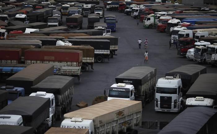 Caminhoneiros criticam condições do Porto de Santos
