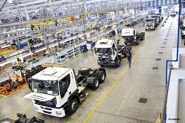 Venda de veículos novos cai 21,2% no ano, aponta dados do Renavam