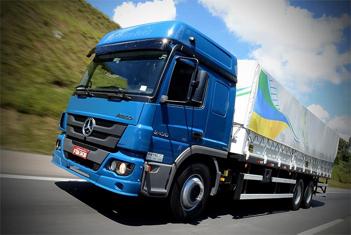 Mercedes-Benz demonstra as vantagens de seus caminhões na Bahia Farm Show