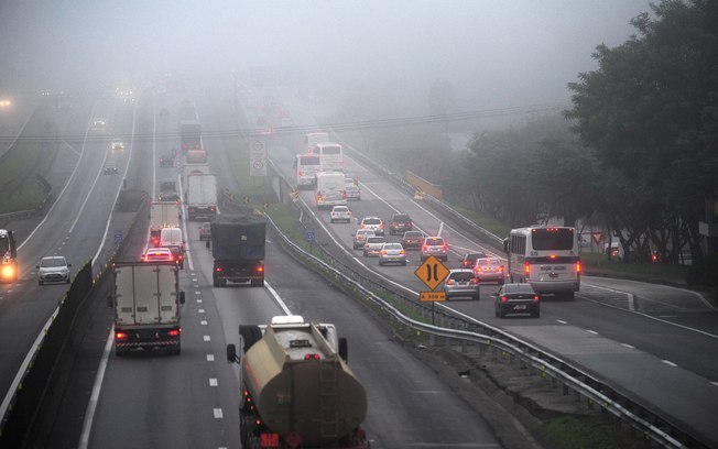 CCR MSVia faz alerta aos motoristas durante neblina na rodovia