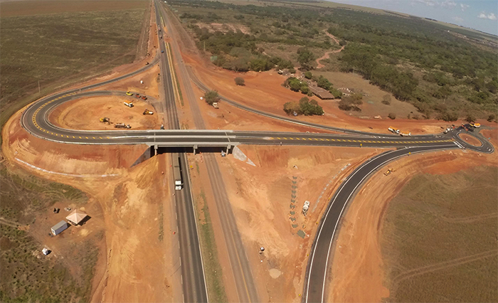 BR-163/MT tem nova estrutura de acesso a aeroporto de Rondonópolis e MT-471imagem