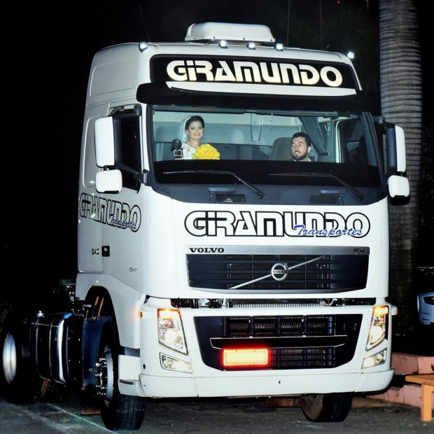 Lá vem a noiva, no Volvo FH