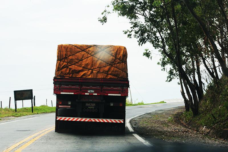Resolução sobre amarração de cargas passa a vigorar para todos os veículos esse mês.