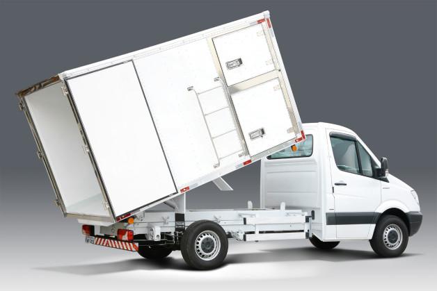 Truckvan lança furgão de alumínio basculante